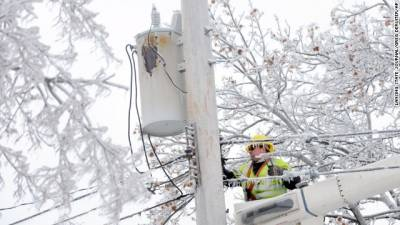 b2ap3_thumbnail_michigan-power-line-ice-and-snow.jpg
