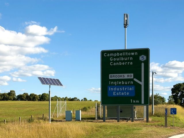 solar powered sign with wireless